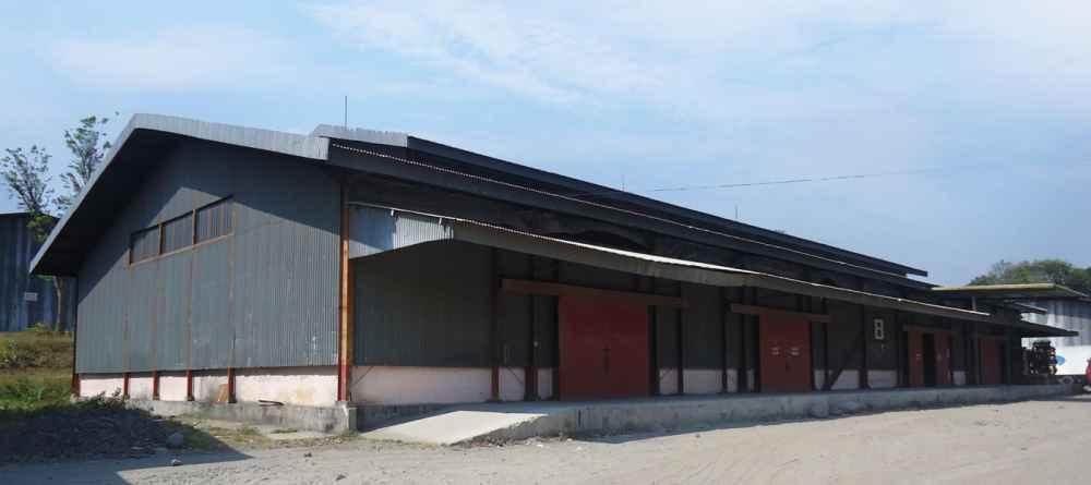 Pedaringan Renovasi Gudang Untuk Relokasi 15 Kantor Ekspedisi